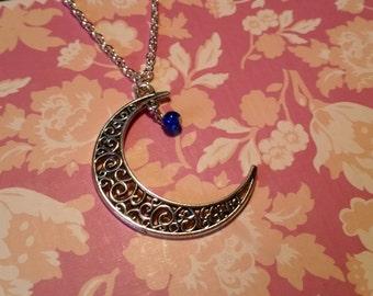 Chain Moon filigree romantic good night Pearl silver
