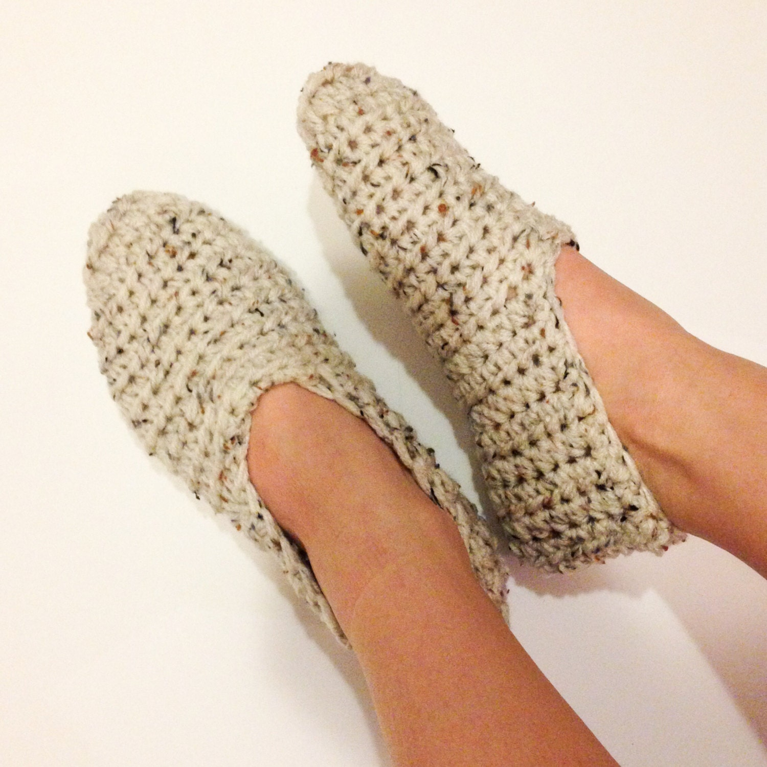 Simple crochet slippers house slippers house by pebbleanddime for Minimalist house slippers