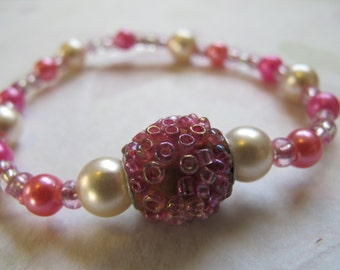 Pink and White Pearls Beaded Bracelet