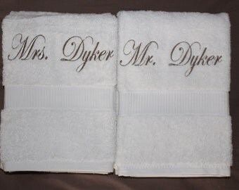 Mr and Mrs Towels for weddings and engagements. Perfect gifts. Both towels included