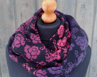 Soft, warm scarf with roses both heat both beauty.