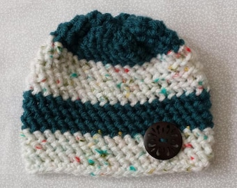 Crocheted baby/newborn hat/beanie with button