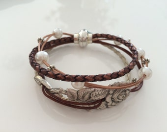 Hildesheim rose leather bracelet, pearls, beads, magnetic closure