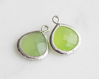 A2-002-R-AP] Apple Green / 13mm / Rhodium plated / Glass Pendant / 2 pieces
