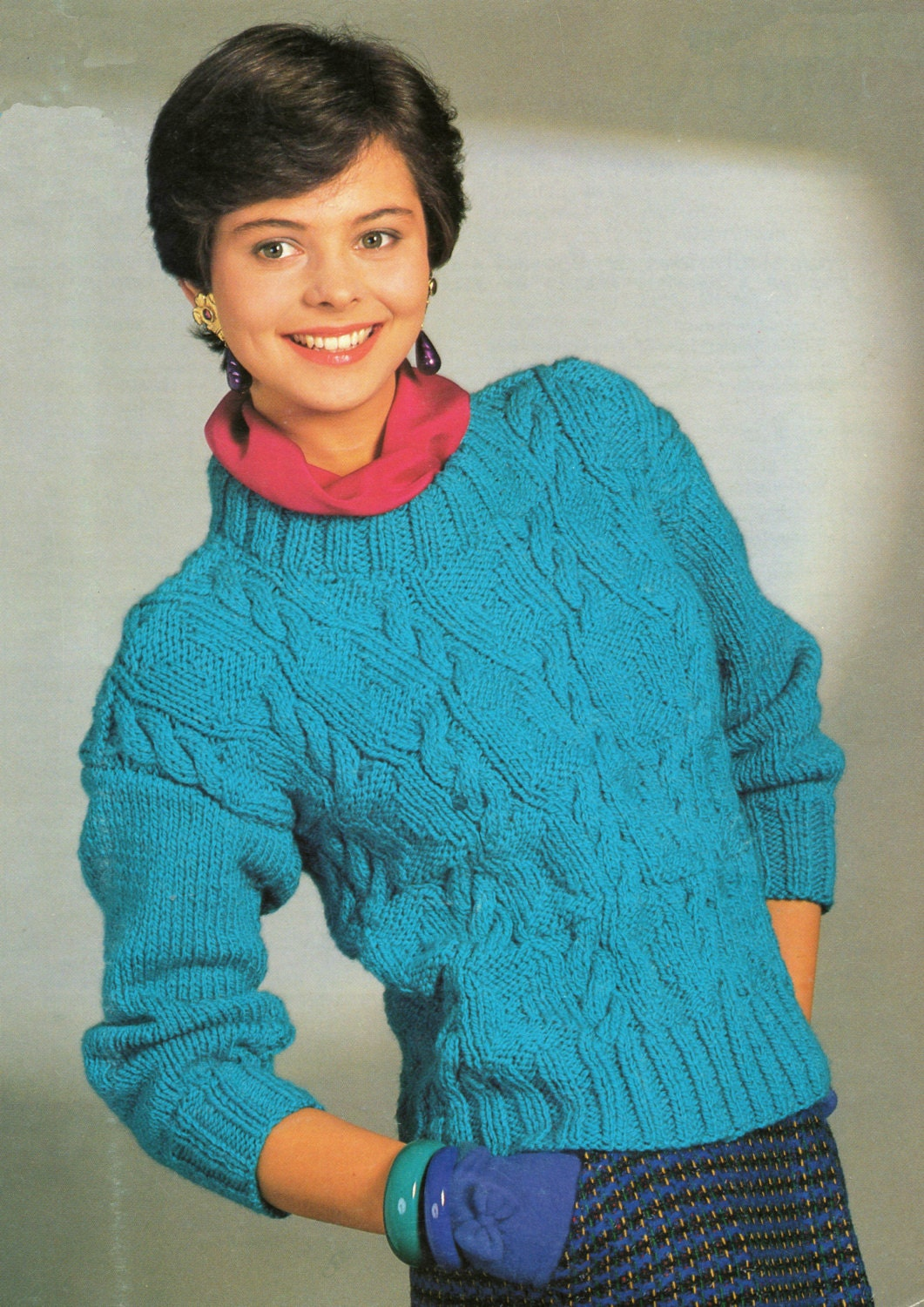 Knitting Pattern For Ladies Cable Sweater : Ladies cable knit chunky sweater knitting pattern