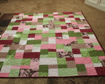 Gorgeous Geometric Patchwork Throw Quilt in Green, Red, Brown, Cream, and Pink