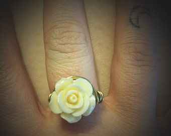 Wire wrapped flower ring