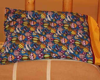 1 pair pillow cases - bright colored balloons