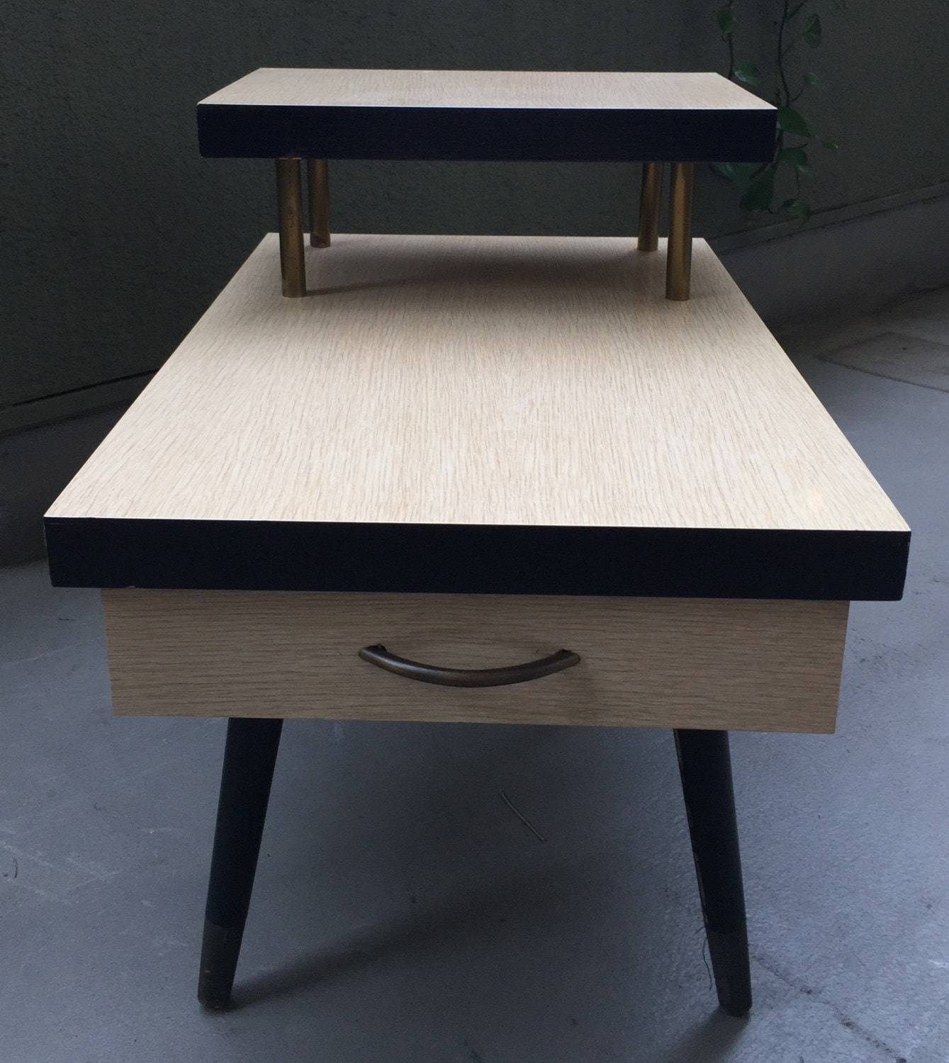 mid century modern formica two 2 tiered end table retro blonde. Black Bedroom Furniture Sets. Home Design Ideas