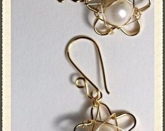 Flower freshwater pearl handmade earrings