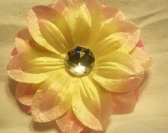 """4"""" pink and yellow flower clip"""