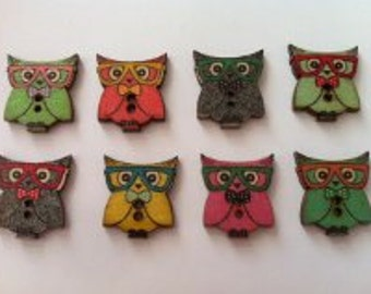 Cute owl buttons, wooden, x 15