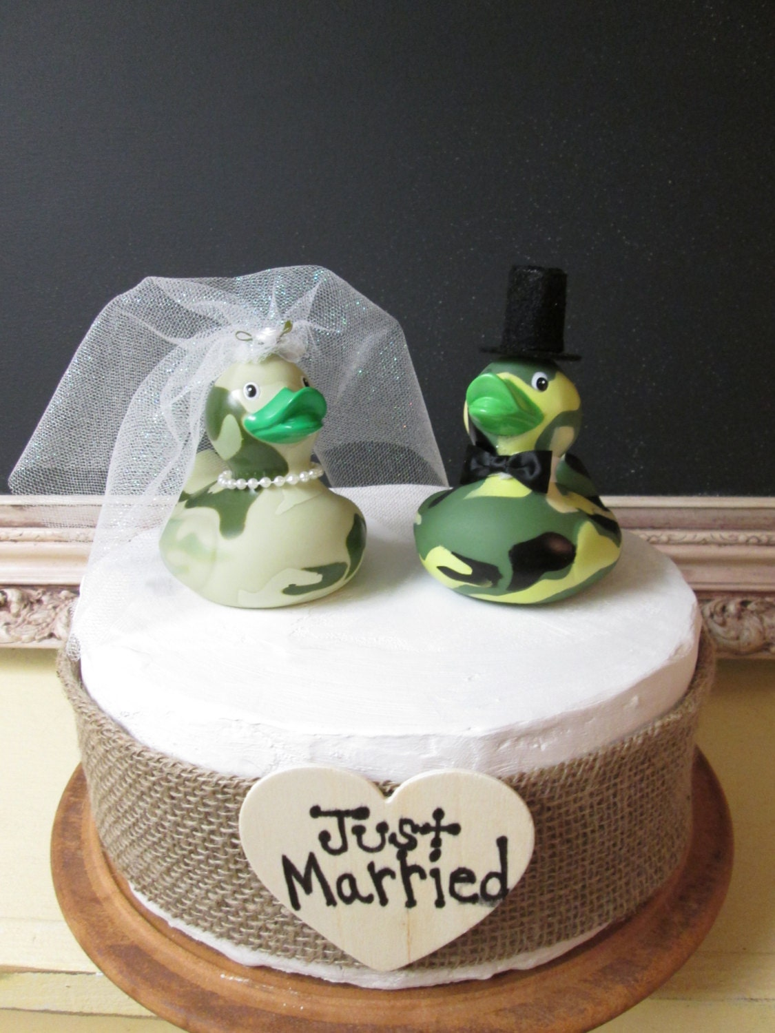 Redneck Bride and Groom Duck Dynasty Wedding Cake Topper Camo