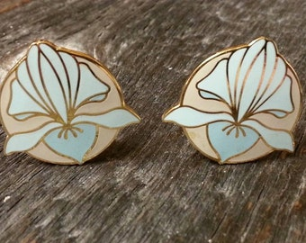 Vintage Isle of Skye Clip On Earrings-Floral Design-Iris-Blue