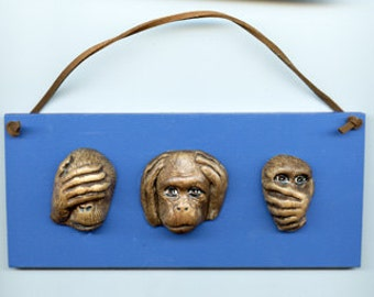 3 Monkeys See Hear Speak No Evil  Plaque  SHSPL 2