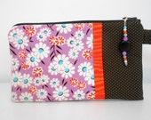 Retro floral Wristlet with Beaded Zipper Pull