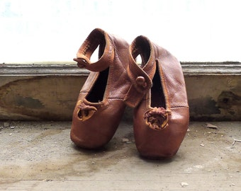 Antique Toddler Girl's Mary Jane Ankle Strap Shoes