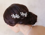 Pearl cluster bridal hair pins - Pearl and leaf cluster bobby pin pair - Style 515 - Ready to Ship
