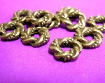 12pc 11mm antique bronze fancy metal beads-1419