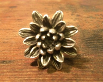 Large Mum Flower ring in Sterling Silver