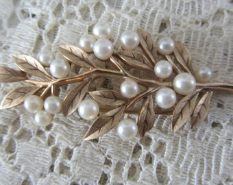 Vintage 1950's Goldtone Trifari Leaf Brooch with Pearls Mint Condition
