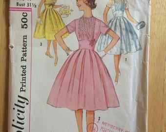 Vintage 1950s Simplicity Dress Pattern 3032  Sz 11 Bust 31.5 - NC - Vintage Simplicity / 50s Simplicity / 50s Pattern