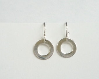 Sterling silver  round  earrings, silver circle earrings