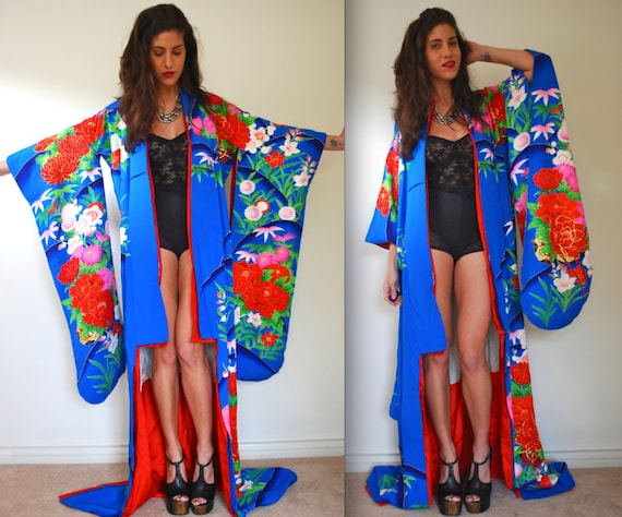 Vintage 60s 70s Rose Ceremony Floor Length Kimono