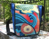 Canvas Japanese print Messenger Bag