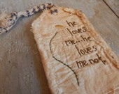 Primitive Daisy Hang Tag, He Loves Me, Loves Me Not,  Hand Stitched