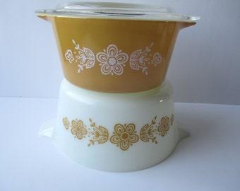 Vintage Pyrex Butterfly Gold Casserole Pair, One and Half Quart, 1 Quart, Bakeware, Pyrex Bowl