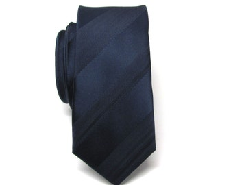 Mens Ties. Necktie Blue Stripes Skinny Tie