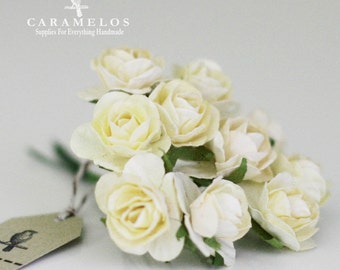30 Ivory paper flowers