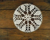 framed doily ~ metal and lace ~ vintage embroidery hoop