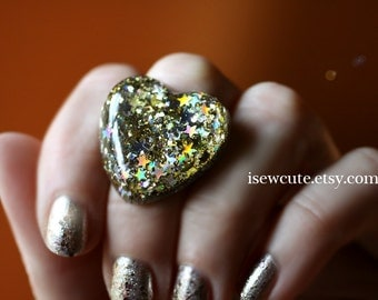 Resin Glitter Jewelry, Silver Gold Sparkles, Ring with Gorgeous Resin Stars in a Heart, Resin Glitter Heart Resin Ring Handmade by isewcute