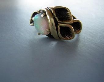 Vintage 14KT Gold Opal Ring Custom Made 70s Organic Design & Nice Fire - Size 5