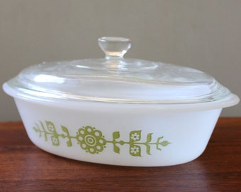 Mod Flowers. Vintage Glasbake J235 lidded casserole, green on white.