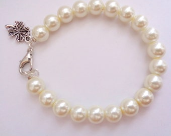 Lucky Clover Bracelet,Clover Bracelet, Pearl Bracelet,Glass Pearl Bracelet, Wedding Special Gift, Bridesmaid Gift