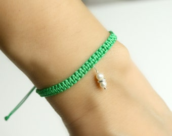 Freshwater Pearl Friendship Bracelet Green Macrame Knot Bracelet