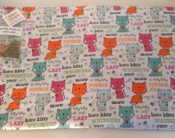 Catnip Activity Mat - Teal and Orange Cartoon Cats - Refillable and Washable