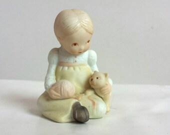 Vintage Holly Hobbie Figurine Kitten