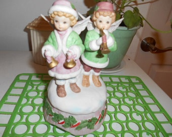 1987 Lefton Boy and Girl Angels Music Box plays Silent Night