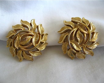 Vintage Trifari Gold Earrings