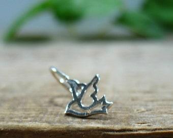 Hoop Earring Dove SINGLE - Tragus Piercing, Rook Piercing, Daith Piercing, Helix Piercing, Cartilage Piercing, Conch Piercing, Dove Piercing