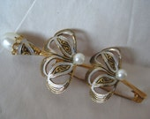 Flower Pearl Brooch Damascene Gold Black White Pin