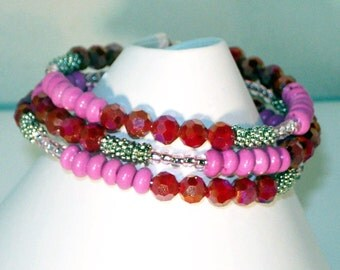 Memory Wire Bracelet - Fuschia Turquoise Beads and Swarovski Crystal