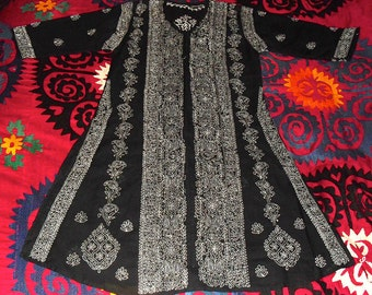 Gorgeous Vintage Indian Tunic Chaikan Hand Embroidery White Paisley on Black Sheer Cotton