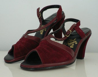 Deadstock vintage 1960s 70s Sandal Heels burgundy Suede by Hush Puppies  6 M