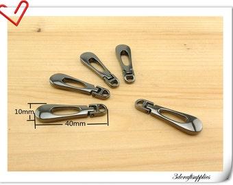 40mm x 10 mm #5  Gunmetal metal zipper pull charm  8 pieces AT31