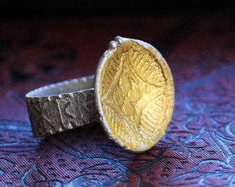 Carved Band Gold Floral Ring